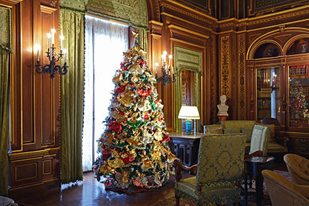 Newport Holiday Mansion Tours