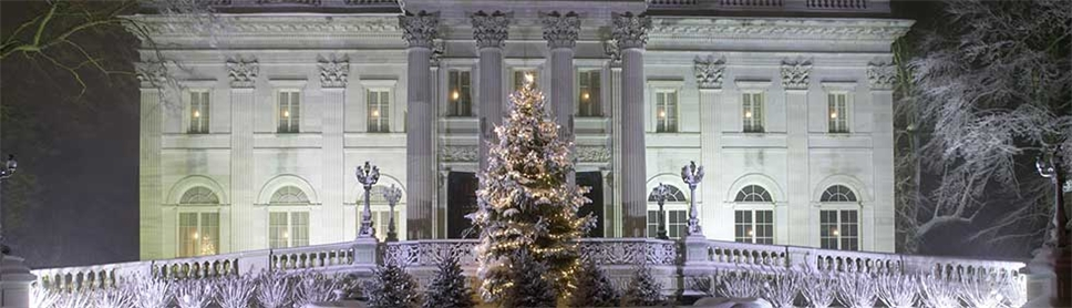 christmas at the newport mansions newport mansions - Mansion Christmas Decorations